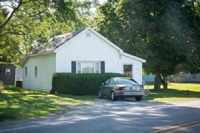 Rushville Single Family Home For Sale: 342 East Us Highway 52