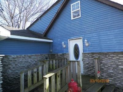 Alexandria IN Single Family Home For Sale: $39,900