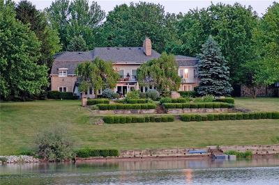 Indianapolis Single Family Home For Sale: 6870 Fox Lake Court
