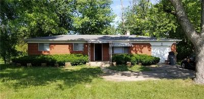 Indianapolis Single Family Home For Sale: 5242 South Emerson Avenue