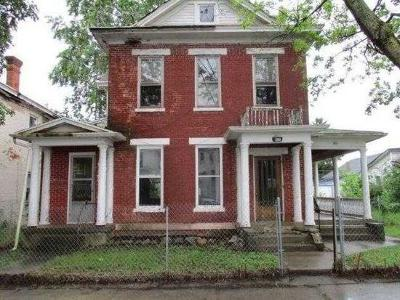 Wayne County Single Family Home For Sale: 130 South 7th Street