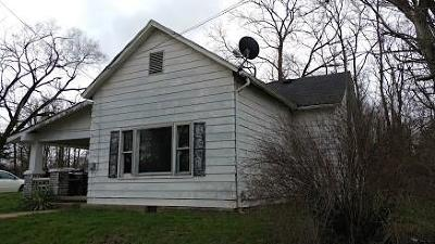 Greencastle IN Single Family Home For Sale: $65,000