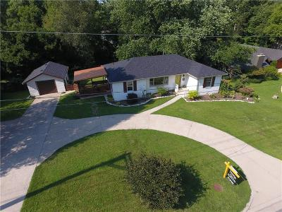 Zionsville Single Family Home For Sale: 720 West Oak Street