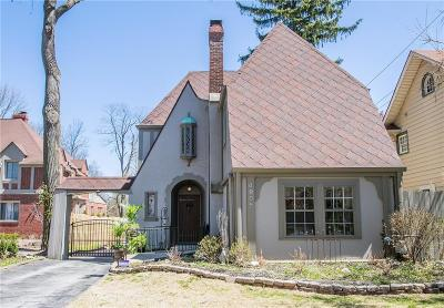 Indianapolis Single Family Home For Sale: 4905 North Illinois Street