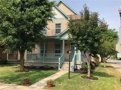 Indianapolis Single Family Home For Sale: 2262 North Delaware Street