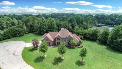Columbus Single Family Home For Sale: 3215 Woodland Ridge