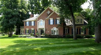 Fishers Single Family Home For Sale: 11101 Muirfield Trace