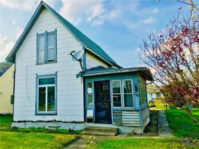 Greenfield Single Family Home For Sale: 928 West Main Street