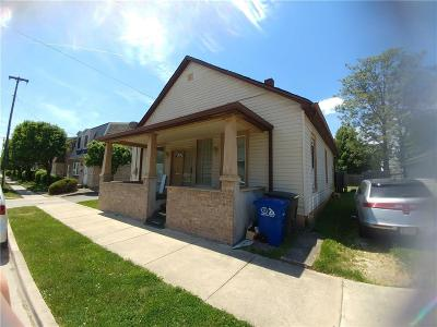 Shelbyville Single Family Home For Sale: 613 South Pike Street