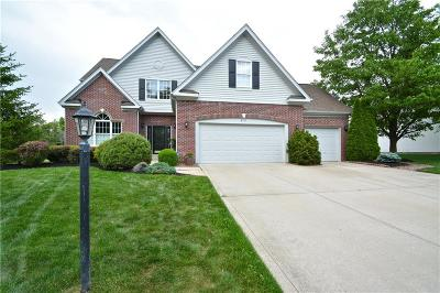 Noblesville Single Family Home For Sale: 8712 Sommerwood Drive