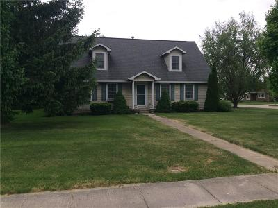 Greenfield Single Family Home For Sale: 1418 Apple Street