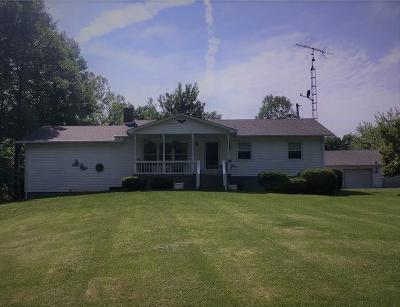 North Vernon Single Family Home For Sale: 7105 North County Road 225 W