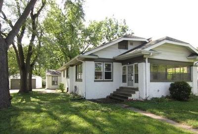 Indianapolis Single Family Home For Sale: 4056 Arthington Boulevard