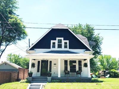 Indianapolis Single Family Home For Sale: 825 Parkway Avenue
