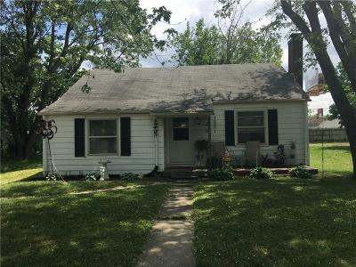 Delaware County Single Family Home For Sale: 215 East Andover Avenue