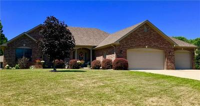 Martinsville Single Family Home For Sale: 1642 West Foxcliff Drive S