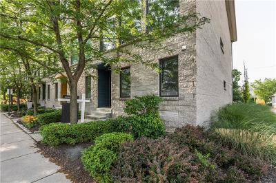 Indianapolis Condo/Townhouse For Sale: 655 East Merrill Street #655