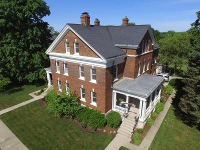 Lawrence Single Family Home For Sale: 5712 Lawton Loop West Drive