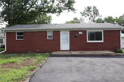 Hendricks County Single Family Home For Sale: 2458 North County Road 1000 E