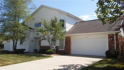 Indianapolis Single Family Home For Sale: 7409 Brackenwood Circle