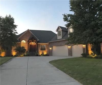 Noblesville Single Family Home For Sale: 10954 Golden Bear Way