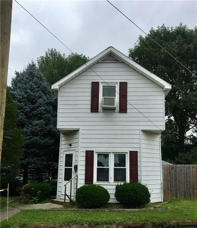 Shelbyville Single Family Home For Sale: 1210 South Harrison Street