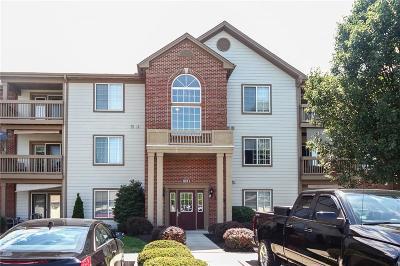 Condo/Townhouse For Sale: 8911 Hunters Creek Drive #206