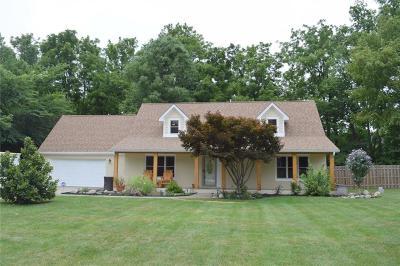 Hamilton County Single Family Home For Sale: 9861 Oakleaf Way