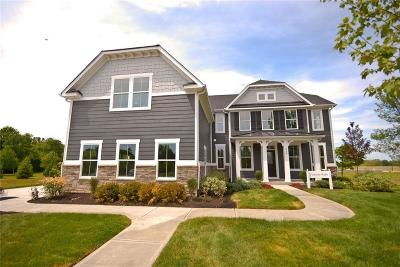 Zionsville Single Family Home For Sale: 4528 Golden Eagle Court