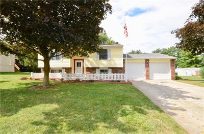 Brownsburg Single Family Home For Sale: 1300 Brownswood Drive