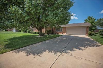 Danville Single Family Home For Sale: 1350 Colonial Lane