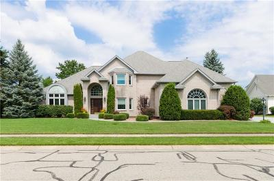 Fishers Single Family Home For Sale: 10748 Burning Ridge