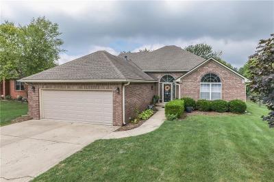 Whiteland Single Family Home For Sale: 403 Samuel Drive