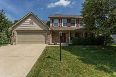 Fishers Single Family Home For Sale: 8620 Knoll Crossing