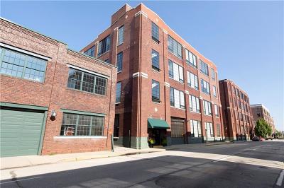 Indianapolis Condo/Townhouse For Sale: 630 North College Avenue #205