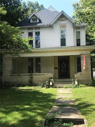 Rushville Single Family Home For Sale: 621 North Harrison Street