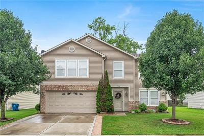 Indianapolis Single Family Home For Sale: 3284 Cork Bend Drive