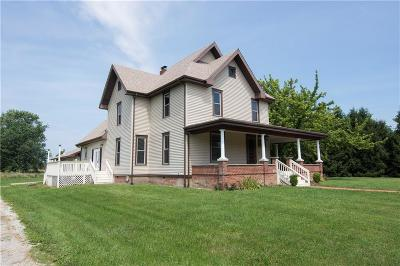 Whitestown Single Family Home For Sale: 608 South Main Street