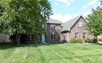 Zionsville Single Family Home For Sale: 9692 Autumn Way