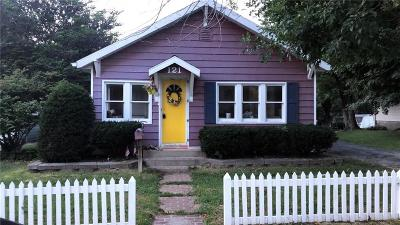 Greencastle Single Family Home For Sale: 121 West Berry Street
