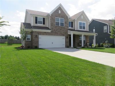 Noblesville Single Family Home For Sale: 10131 Pepper Tree Lane