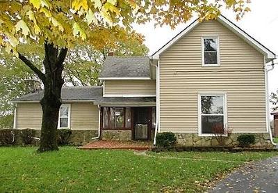 Greenfield IN Single Family Home For Sale: $136,000