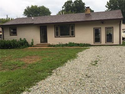 Mooresville Single Family Home For Sale: 199 Center Drive