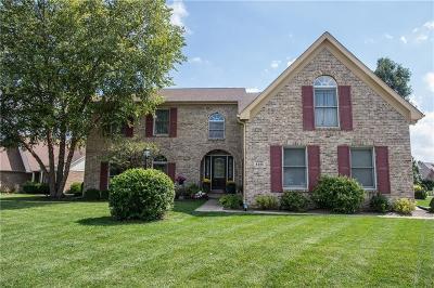 Indianapolis Single Family Home For Sale: 8385 Hampton Circle W