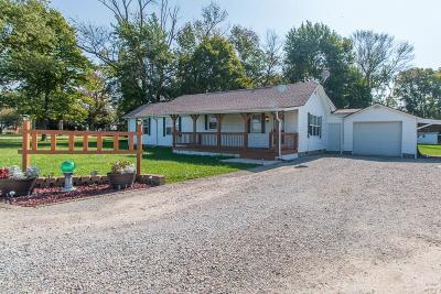 Shelbyville Single Family Home For Sale: 4315 East State Road 44 Road E