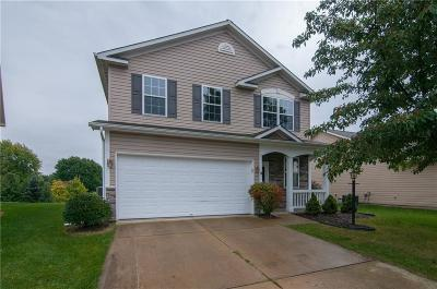 Noblesville Single Family Home For Sale: 19384 Fox Chase Drive