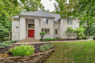 Indianapolis Single Family Home For Sale: 9121 Walnut Grove Drive