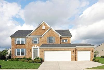 Zionsville Single Family Home For Sale: 11915 Eaglechase Way
