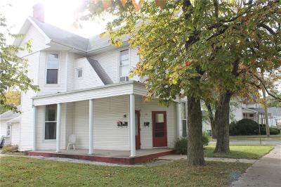 Shelbyville Single Family Home For Sale: 171 West Broadway Street