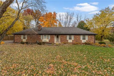 Indianapolis Single Family Home For Sale: 8928 Lantern Lane